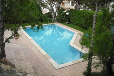 Apartment with pool in L'Escala