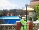 Casa a cuatro vientos con jardín y piscina