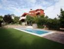 Casa totalmente reformada con parcela de 875m2 en Fontpineda