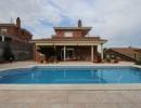Casa a 4 vientos con jardín y  piscina