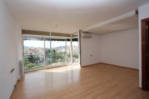 Preciosa pis amb terrassa de 8m2