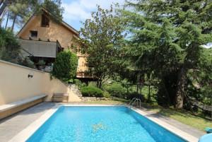Casa a 4 vents amb piscina