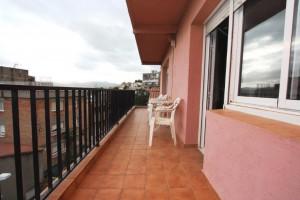 Pis de3 habitacions amb terrassa de 12m2