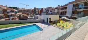 piso con zona comunitaria y piscina