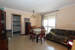 Piso de tres habitaciones con balcón