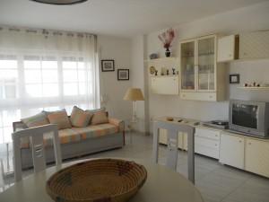 Apartamento luminoso de dos dormitorios con vistas al puerto