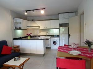 Apartamento de dos habitaciones, céntrico y soleado