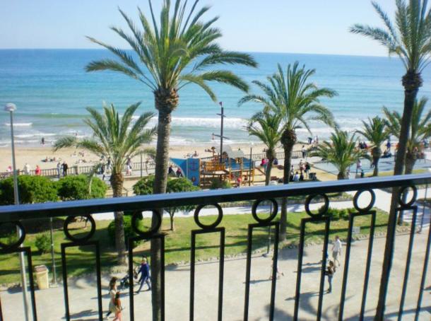 Elige el mejor piso con vistas al mar en sitges for Pisos con vistas al mar