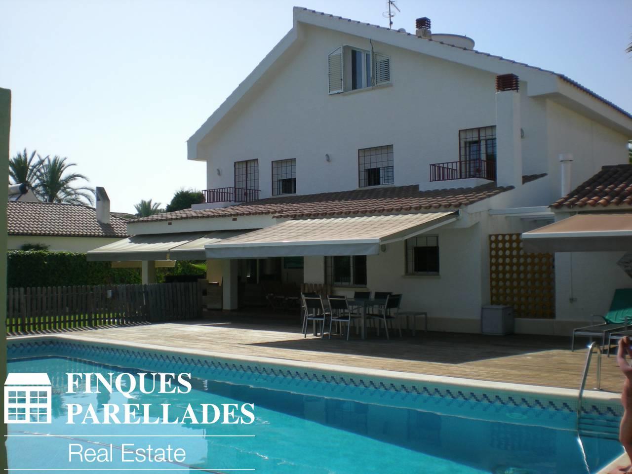 Elegante y exclusiva casa en la mejor zona de Sitges. Zona Terramar.