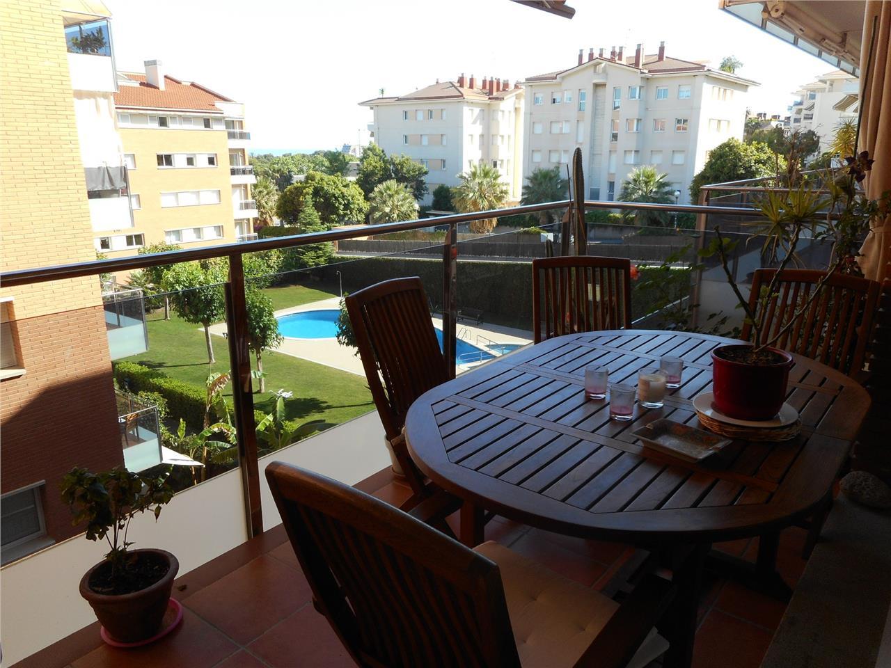 Piso en venta en Can Girona-Terramar-Vinyet