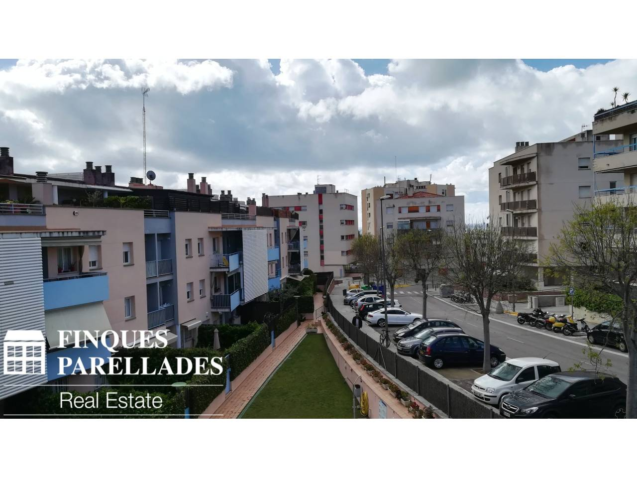 Flat for sale in Els Molins-Poble Sec-Pins Vens