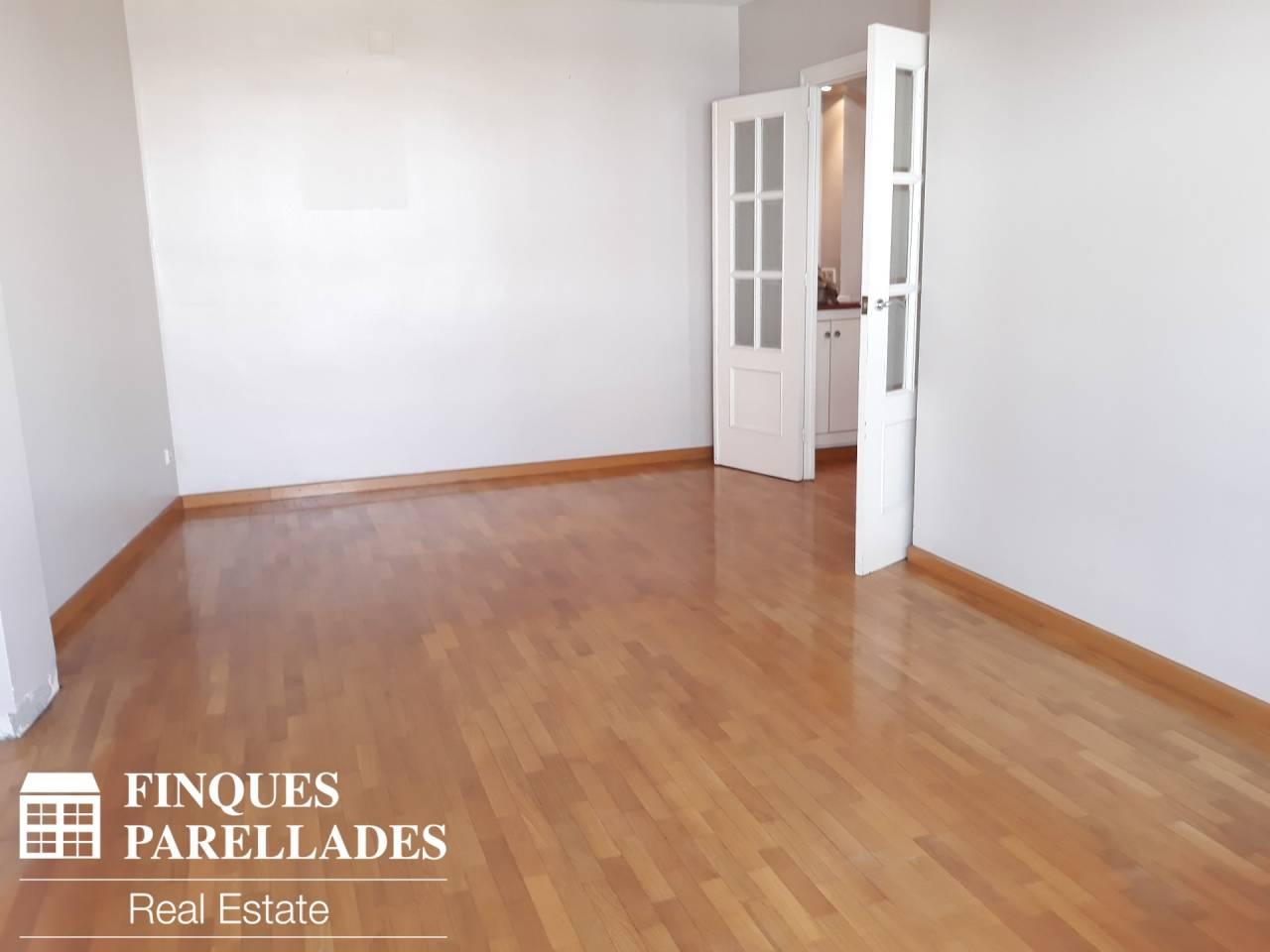 Flat for rent in Sant Sebastià-Aiguadolç