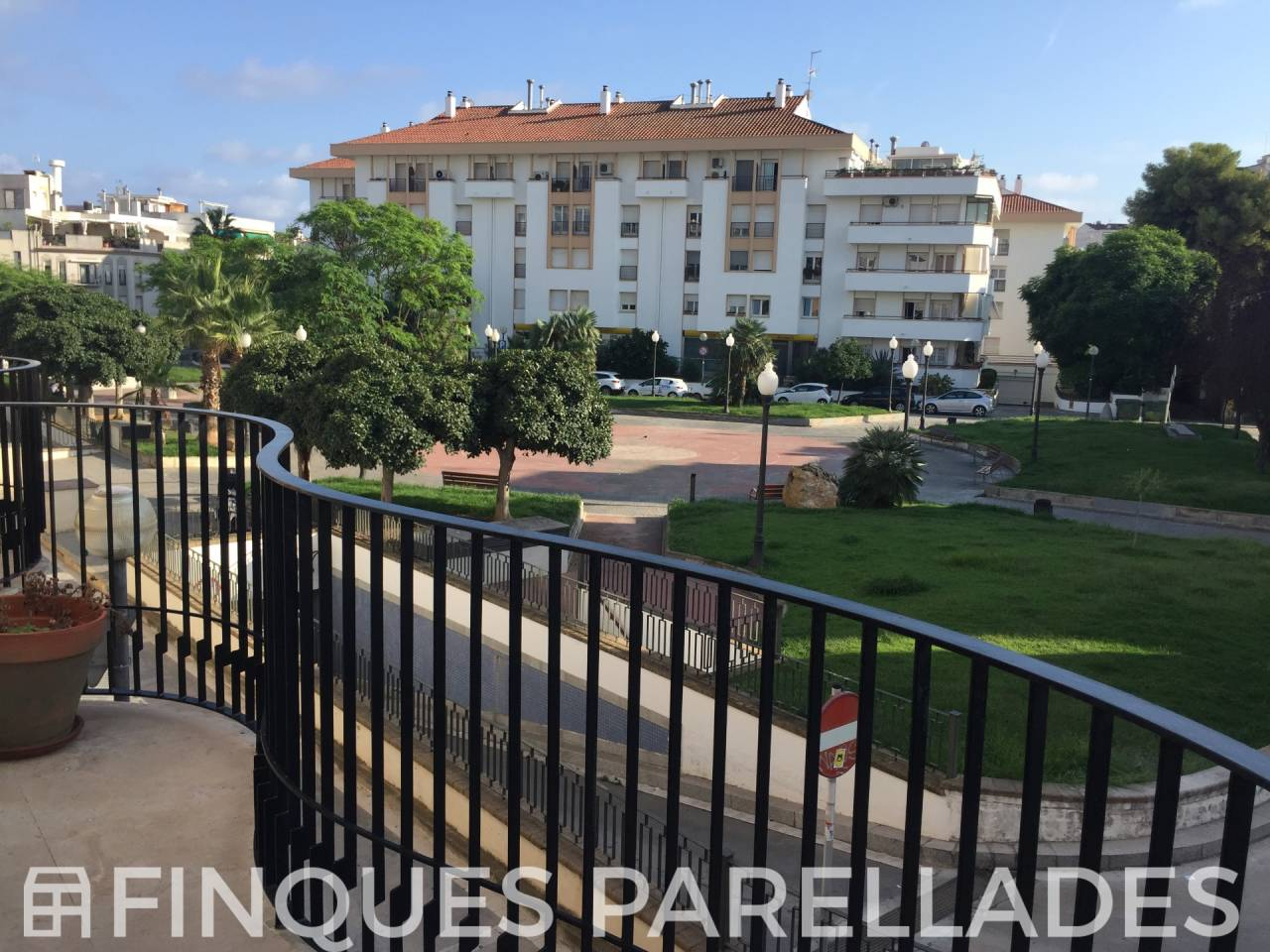 Magnificent and spacious house with four floors with elevator in unbeatable situation in Sitges. Downtown area.