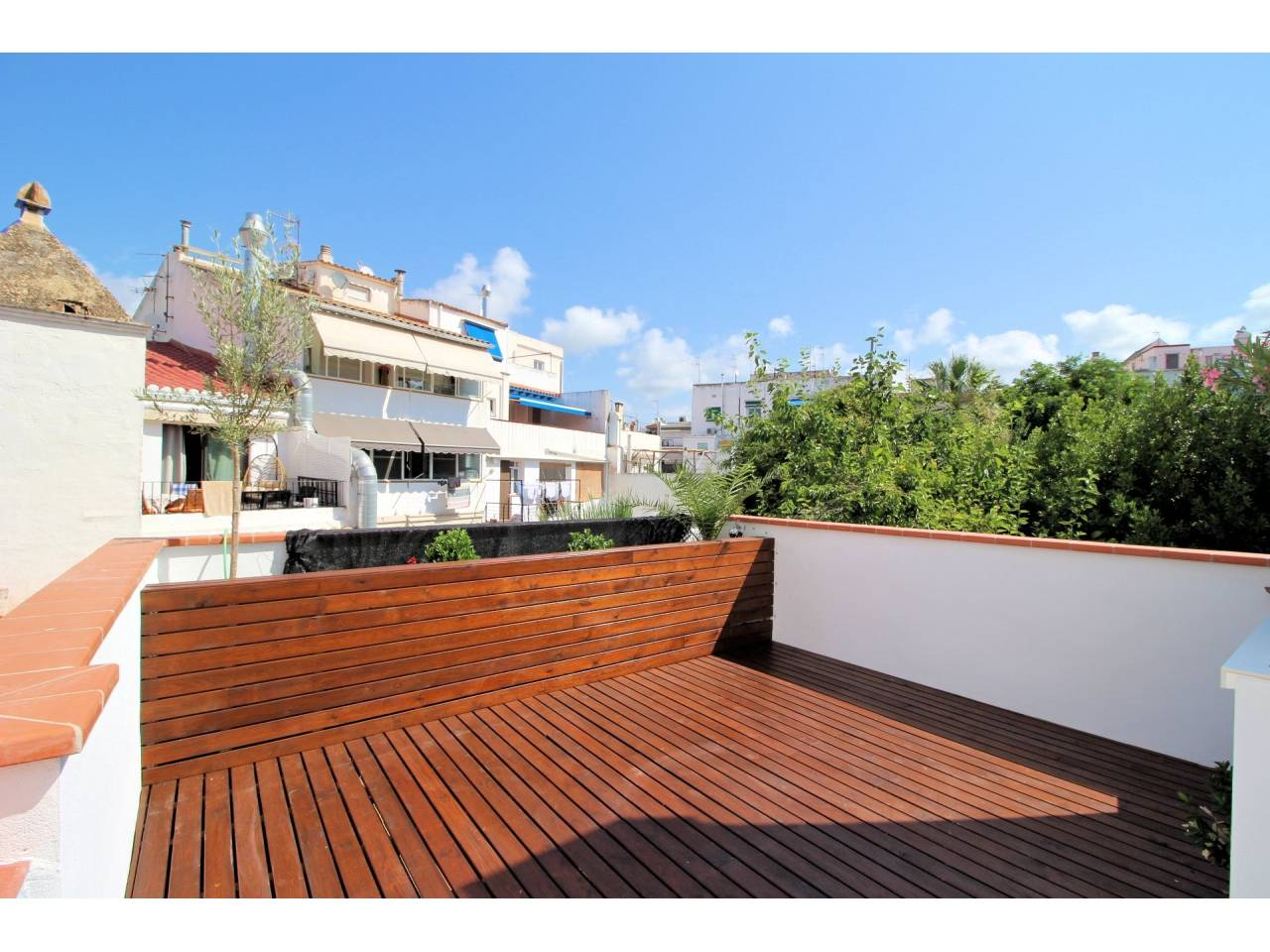 Beautiful apartment brand new in a building with elevator in the center of Sitges.