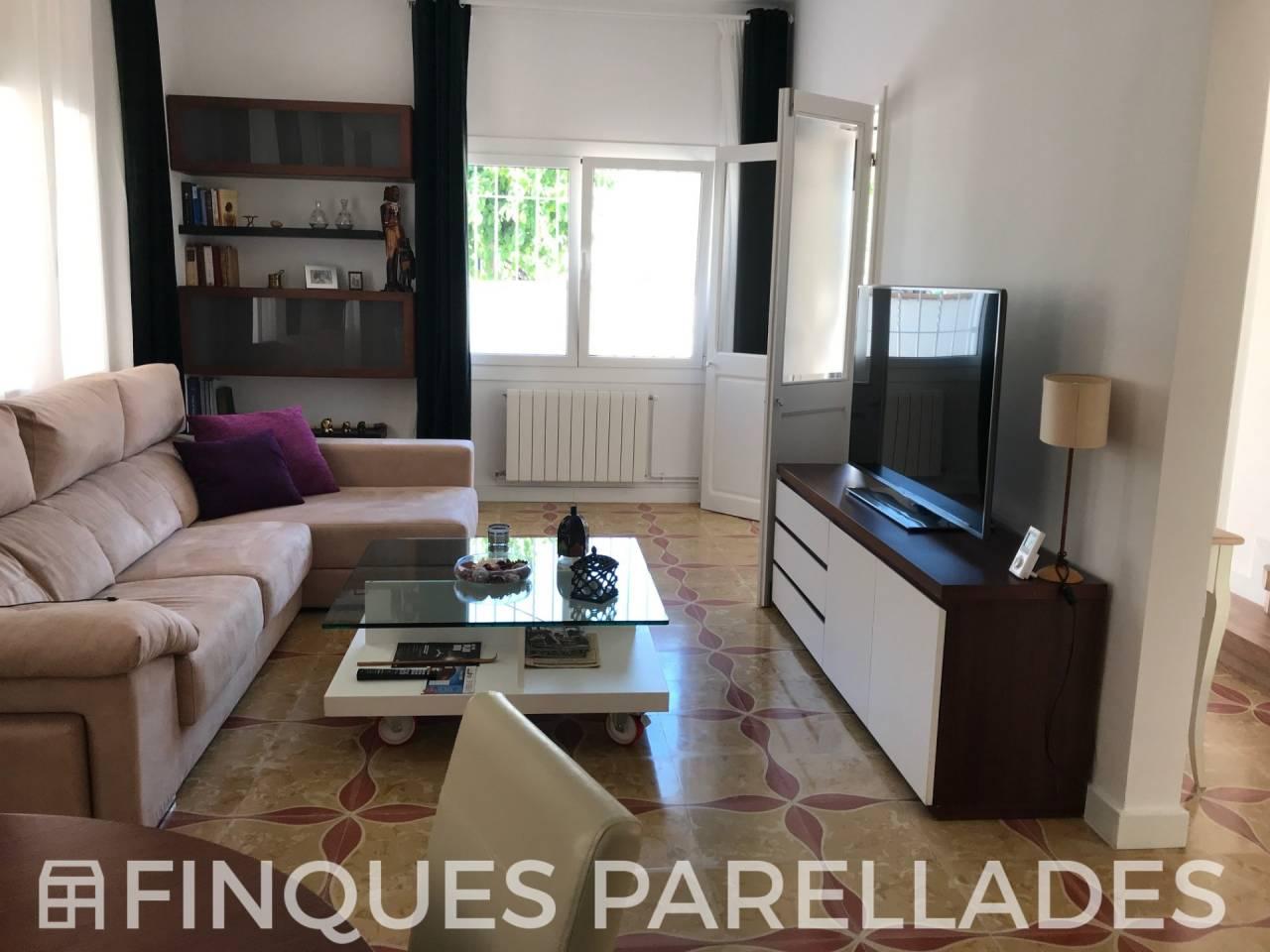 Preciosa casa en el centro de Ribes totalmente rehabilitada muy luminosa.